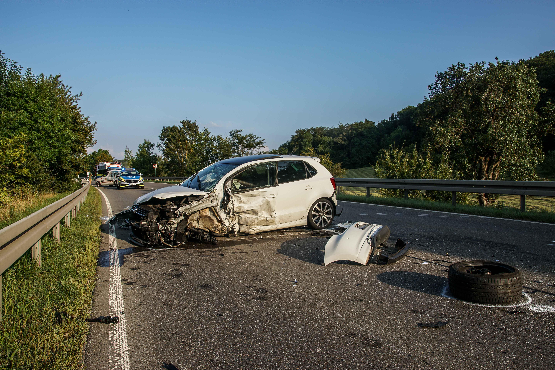 B295, Gemarkung Renningen: Verkehrsunfall mit 2 schwerverletzten Personen