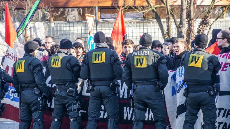 Gegendemonstration zum AFD Parteitag in Böblingen