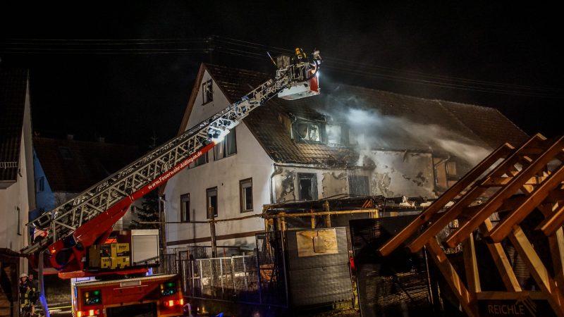 Aidlingen-Dachtel: Brand eines Carports