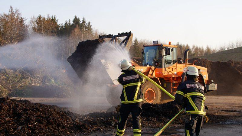Brand auf Sindelfinger Häckselplatz