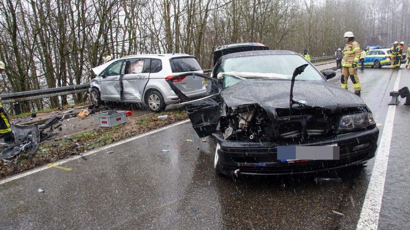 Böblingen: Verkehrsunfall mit drei verletzten Personen