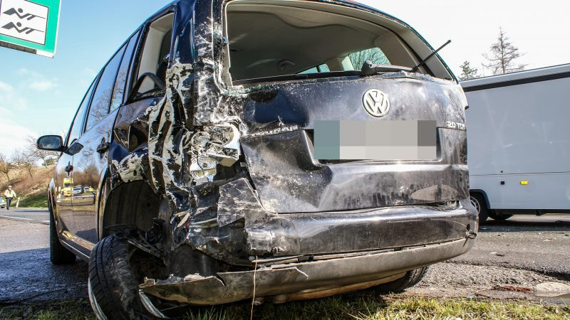 Schönaich: Unaufmerksamkeit führt zu folgenschwerem Verkehrsunfall