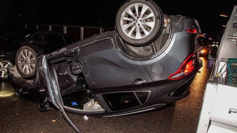 Sindelfingen: Verkehrsunfall mit vier beteiligten Fahrzeugen
