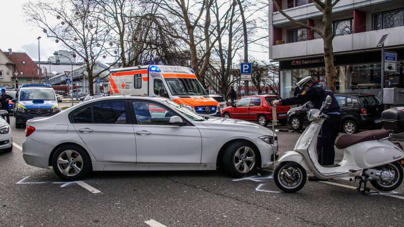 Sindelfingen: Motorradfahrer schwer verletzt